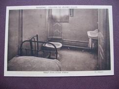 CPA SEPIA 02 SOISSONS COLLEGE De JEUNES FILLES Détail D'une Cellule D'élève Chambre MATERIEL ECOLE - Soissons