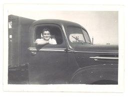 Photo Homme Dans Camion à Identifier - Automobiles