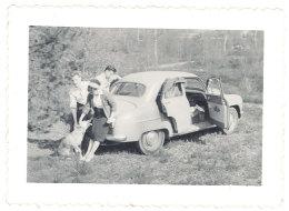 Photo Automobile à Identifier, Simca Aronde ? - Automobiles