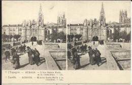 L' ESPAGNE , BURGOS , L' Arc Sainte Marie Et La Cathédrale , Stéréoscopique ANIMEE - Burgos