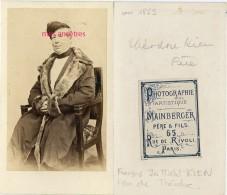 CDV Famille KIEN-François KIEN Père De Théodore-tapissier-homme Manteau Et Toque Fourrures-Mainberger Paris - Ancianas (antes De 1900)