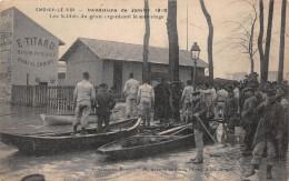 CHOISY LE ROI - Inondations De 1910 - Les Soldats Du Génie Organisant Le Sauvetage - Choisy Le Roi
