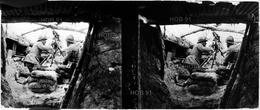 Photographie - Plaque De Verre - Guerre 14/18 - Servants De Mitrailleuse (B 513-1, Lot 1) - Glasplaten