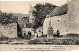 Cpa  ST SUPLICE DE FAVIERES   Croix De Village - Saint Sulpice De Favieres