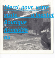 Photo Voiture Automobile ( Batiment Usine Garage Stockage Habitation ) - Automobiles