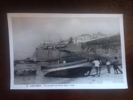 2069V) Portugal Costumes Portugueses Ericeira Arrastando Um Barco Para O Mar Col. Loty Passaporte - Lisboa