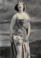 LA BELLE OTERO - Collection Reutlinger - CPM - ARTISTES 1900 - Dos Vierge   - 2 Scans - Artistes
