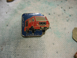 Pin´s Camion Des Sapeurs Pompiers De La Commune De GUNSBACH (Dépt 68) - Feuerwehr