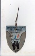 """Militaria / Insigne Carton Neuve """" Semaine Nationale De L'Enfance,victime De La Guerre Et Du Nazisme"""" - Documents"""
