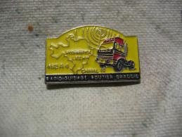 Pin´s Camion MERCEDES, RGRG (Radio Guidage Routiers Gardois). CB, Citizen Band Sur Le Canal 19 Des Routiers - Transport