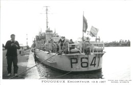 ESCORTEUR FOUGUEUX PHOTOGRAPHE TOULON MARIUS BAR NAVIRE DE GUERRE PAQUEBOT BOAT TRANSPORT BATEAU - Warships