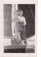 25847 Carte Photo Belgique Anvers ?  -bateau Yatch -marin Femme Voilier Port - Daté 1943 -N° D55 PIKI - Voiliers