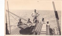 25849 Carte Photo Belgique Anvers ?  -bateau Yatch -marin Femme Voilier Port - Daté 1943 -N° D55 PIKI - Voiliers