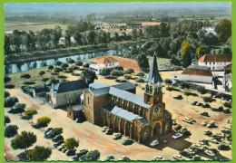 EN AVION AU-DESSUS DE GUEUGNON L'Eglise Simca Ariane Plein Ciel Citroen Traction DS 2CV Simca 1000 Panhard Dyna Z Autos - Gueugnon