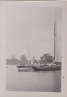 25864 Photo Belgique Anvers ? -bateau Yatch -marin Femme Couple Voilier Port - Daté 1943 SCHELDE