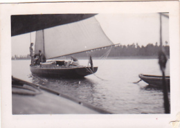 25868 Photo Belgique Anvers ? -bateau Yatch -marin Femme Couple Voilier Port - Daté 1943 SCHELDE