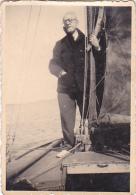 25872 Photo Belgique Anvers ? -bateau Yatch -marin Femme Couple Voilier Port - Daté 1943 -au Dos J V Ou JN