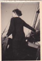 25874 Photo Belgique Anvers ? -bateau Yatch -marin Femme Couple Voilier Port - Daté 1943 -au Dos J V Ou JN