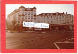 CHARTRES EURE ET LOIR VERS 1985 PLACE PIERRE SEMARD HOTEL LE JEHAN DE BEAUCE BAR ET HOTEL DE L OUEST - Lieux