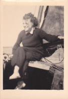 25877 Photo Belgique Anvers ? -bateau Yatch -marin Femme Couple Voilier Port - Daté 1943 -