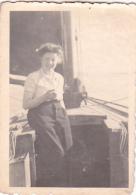 25878 Photo Belgique Anvers ? -bateau Yatch -marin Femme Couple Voilier Port - Daté 1943 -