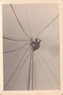 25896 Photo Belgique Anvers Antwerpen ? -bateau Yatch Regate Marin Femme Couple Voilier Port Greement - Année 40-50
