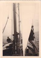 25898 Photo Belgique Anvers Antwerpen ? -bateau Yatch Regate Marin Femme Couple Voilier Port Greement - Année 40-50