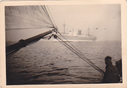 25899 Photo Belgique Anvers Antwerpen ? -bateau Yatch Regate Marin Paquebot Couple Voilier Port Greement - Année 40-50 - Bateaux