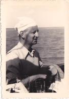 25903 Photo Belgique Anvers Antwerpen ? -bateau Yatch Regate Marin Femme Couple Voilier Port Repas - Année 40-50