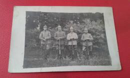 Carte Photo Soldats Allemand Casques A Pointe Fusils - Guerre 1914-18