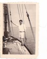 25928 Photo Belgique Anvers Antwerpen ? -bateau Yatch Regate Marin Femme Couple Voilier - Année 40-50