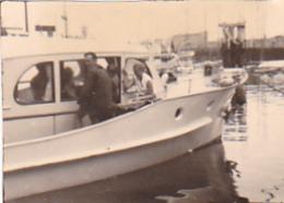 25932 Lot 9 Photos Belgique Anvers Antwerpen ? -bateau Yatch Regate Marin Femme Couple Voilier - Année 40-50