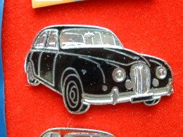 PIN´S ANCIENNE JAGUAR - NOIRE - EMAIL - Jaguar
