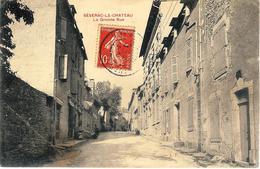 12 Severac Le Chateau La Grande Rue A Circulé En 1907 Un Pli En Bas à Gauche - Other Municipalities