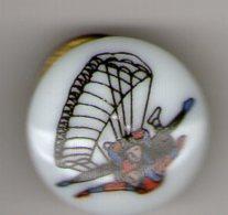 PIN S PORCELAINE  THOSCA    PARACHUTISME - Parachutting