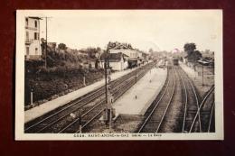 1 CP Saint-André Le- Gaz (Isère) La Gare, Animée, Train - Saint-André-le-Gaz