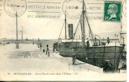 """N°162 K -cpa Ouistreham -gros Charbonnier """"congre"""" Dans L'écluse- - Commerce"""