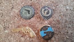 4 Pins Sur La Police Tir Pistolet Revolver  Glock Sig - Pin's & Anstecknadeln