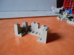 Légo  Pièce Crénaux De Chateau Grise - Lego System