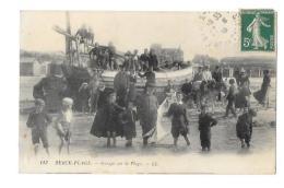 (10810-62) Berck Plage - Groupe Sur La Plage - Berck