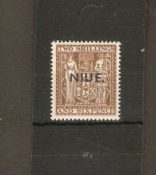 NIUE 1957 2s 6d SG 87 PERF 14 X 13½ MOUNTED MINT Cat £16 - Niue