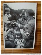 Deutschland Erwacht Sammelwerk Nr. 8: Sammelbild Nr. 200, Gruppe 32, Die Jüngsten Begrüßen Ihren Führer - Sonstige