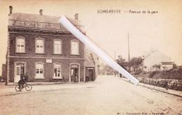 """SOMBREFFE - Avenue De La Gare  - Avec Devant """"Café -Restaurant E. Adam"""" Et Panneau Pub """"M.M Delmez Dentistes - Fleurus"""" - Sombreffe"""