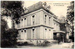 CPA 79 ( Deux Sevres ) - PARTHENAY - La Sous Prefecture - Parthenay