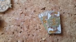 1 Pins Carte Jeu De Tarot - Pin's & Anstecknadeln