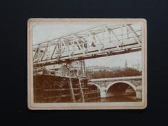 PHOTO DE LA CONSTRUCTION D'UN PONT A PARIS VERS 1880 - Photos
