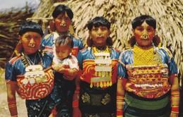 PANAMA--indias De Las Pintorescas Islas De SAN BLAS-- Voir 2 Scans - Panama