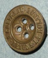 Rare Bouton De Sac En Laiton A CHEVREAU Beaune La Rolande, Militaria, équipement Militaire - Buttons
