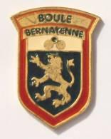 Pin's BOULE BERNAYENNE  - Le Blason - Boules - Lion - CES 14940 -  F750 - Bowls - Pétanque