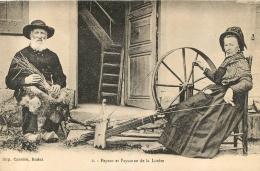 PAYSAN ET PAYSANNE DE LA LOZERE EDITION CARRERE - Paysans
